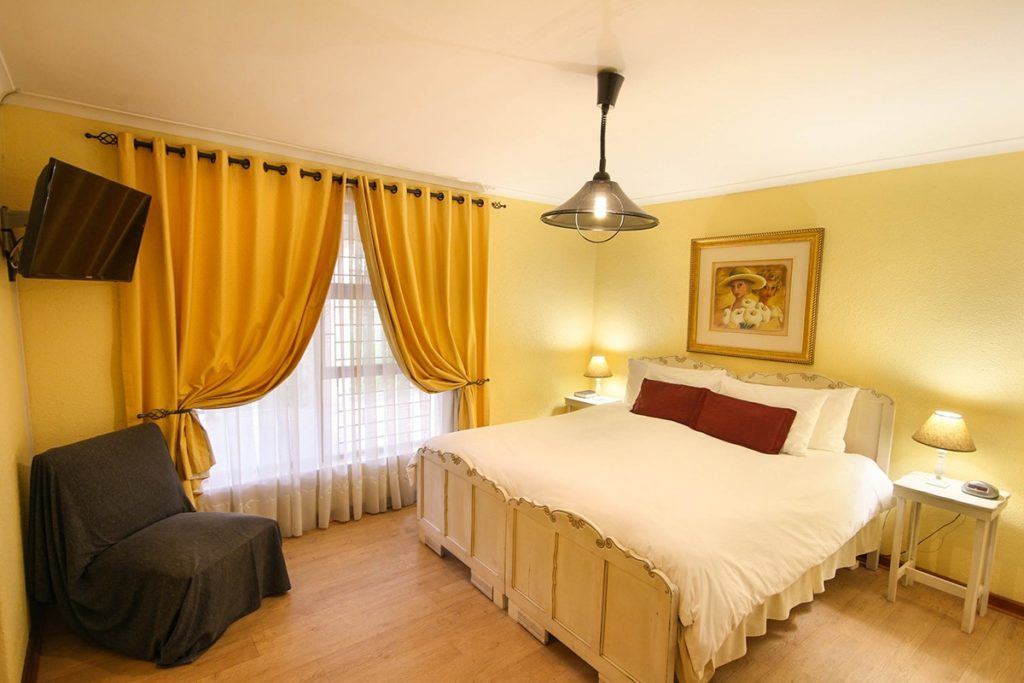 The Yellow Room @ Old Oak Guest House